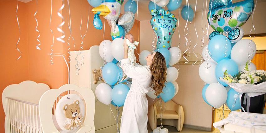 Какие лучше купить воздушные шары на выписку из роддома
